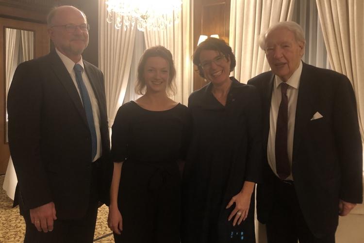(V. l. n. r.) Prof. Dr. Hans-Werner Huneke, Sara Feser, Andra Rupietta, Dr. Jobst Wellensiek.